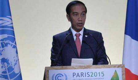 Presiden Jokowi menyampaikan pernyataan pada Konferensi Perubahan Iklim (COP 21), di Paris, Perancis, Senin (30/11/2015) sore waktu setempat. (Setkab.go.id)