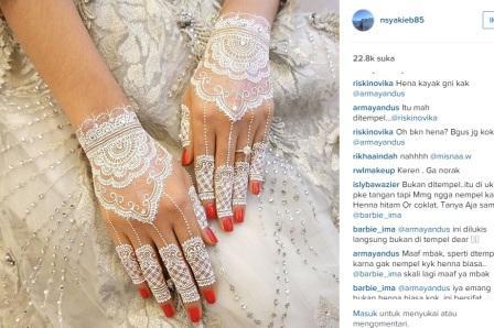 Instagram Artis Ups Henna Putih Nabila Syakieb Dikira Sarung Tangan