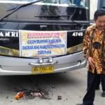 Pemberangkatan 25 keluarga transmigran asal Magetan menuju Sumatra Selatan yang dipimpin Wabup Magetan Samsi (baju batik warna cokelat) di Pendapa Surya Graha, Kabupaten Magetan, Jatim, Jumat (18/12/2015). (Irawan Sapto Adhi/JIBI/Madiunpos.com)