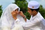 PERNIKAHAN DINI : Deklarasi Surutkan Keinginan Menikah Muda