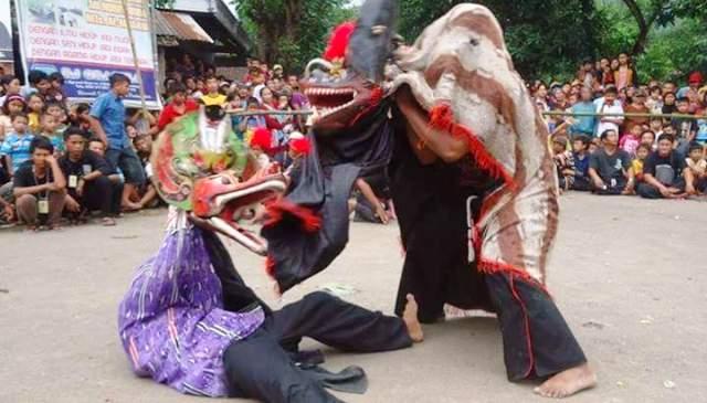 Ilustrasi pentas kesenian tradisional Jaranan Thek Nogo Pertolo khas Kabupaten Ponorogo, Jawa Timur (Jatim). (Facebook-Semua Tentang Ponorogo)