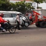 Kondisi mobil Toyota Innova yang terlibat kecelakaan di jalan raya Solo-Tawangmangu, depan RS Jati Husada, Jumat (8/1/2016). (Kurniawan/JIBI/Solopos)