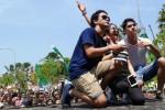 Suasana Color Run All Star di Halaman Suncity Madiun, Kota Madiun, Jawa Timur (Jatim), Minggu (10/1/2016). (Irawan Sapto Adhi/JIBI/Madiunpos.com)