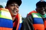 Guru SM3T UNY, Doni Eko Nurcahyo dan Boby Firma Oktavia saat melalui perjalan pertamanya di Kabupaten Malinau, Kalimantan Utara. (Foto Istimewa)