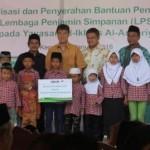 KEGIATAN CSR : Salurkan CSR, LPS Bantu Yayasan Yatim Piatu di Kendal
