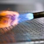 Ilustrasi memasak dengan teknik blow torch (Modernistcuisine.com)