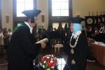 Rektor UGM Profesor Dwikorita Karnawati saat poenganugerahan Doktor Honoris Causa UGM kepada Dato' Sri Profesor Tahir di Balai Senat kampus Bulaksumur, Jumat (22/1/2016). (Istimewa)