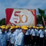 Pekerja PT Sritex mengikuti upacara peluncuran logo 50 tahun PT Sritex di lokasi pabrik di Jetis, Sukoharjo, Selasa (19/1/2016). (Rudi Hartono/JIBI/Solopos)