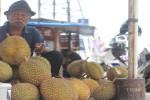 Penjual durian di Jalan Magelang (Asih Prambudi/JIBI/Harian Jogja)