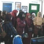 FOTO KUNJUNGAN MEDIA : Mahasiswa Sastra Inggris Unsa Berkunjung ke Solopos