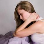 Ilustrasi orang sakit leher (Alfalfa.co.id)
