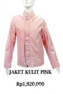 RED APPLE LEATHER JACKETS PINK BAHAN: KULIT DOMBA FINE UKURAN: ALL SIZE HARGA: 1.920.000,-