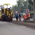 Sejumlah pekerja mengerjakan proyek pelebaran jalan ring road Mojosongo Solo ke Sroyo, Karanganyar, Selasa (2/2/2016). (Kurniawan/JIBI/Solopos)