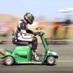 MODIFIKASI MOTOR : Pakai Mesin Moge, Skuter Mini Ini Tembus 173 Km/Jam