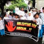 HARI KASIH SAYANG : Siswa SD Muhammadiyah 1 Semarang Tolak Perayaan Hari Valentine