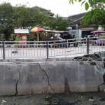 INFRASTRUKTUR SEMARANG : Trotoar Tlogosari Rusak Parah, Netizen CibirPemkot Semarang
