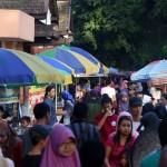 CAR FREE DAY SOLO : Makin Padat, PKL di CFD Capai 1.000 Orang Lebih