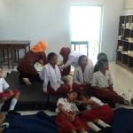 Sejumlah siswa SDN 1 Bangak Kecamatan Banyudono, Boyolali, yang mengalami keracunan berisitirahat di salah satu ruang kelas, Selasa (15/3/2016). (Hijriyah Al Wakhidah/JIBI/Solopos)