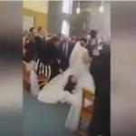 VIDEO LUCU YOUTUBE : Bocah Usil Ini Terjun ke Gaun Pengantin, Lihat Apa yang Terjadi!
