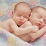Ilustrasi bayi kembar (www.newhealthadvisor.com)
