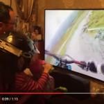 Ayah ini mengajak bermain anaknya dengan cara unik. (Istimewa/Youtube)
