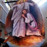Telur Paskah raksasa di Gereja Katolik Santo Ignatius, Semarang, Sabtu (26/3/2016). (JIBI/Solopos/Antara/Aditya Pradana Putra)