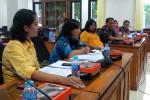 NASIB GURU HONORER : Diberhentikan Sepihak, Denok dan Rita Perjuangkan Hak