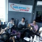 FOTO KUNJUNGAN MEDIA : Jikustik Sapa Pendengar Solopos FM