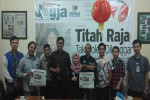 Pemimpin Redaksi Harian Jogja, Anton Wahyu Prihartono menerima kunjungan dari Jogja Media Promo dan Jawara Kuliner, Selasa (15/3/2016). (Mediani Dyah Natalia/JIBI/Harian Jogja)