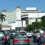 KULINER SEMARANG : Makanan Kedaluwarsa Dijual di Simpang Lima?