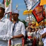 NYEPI 2017 : Ribuan Umat Hindu Ikuti Upacara Melasti