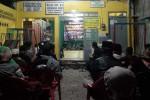 Suasana pengajian di Balai RT 16, RW 03 Kampung Sosrowijayan Kulon, Kelurahan Sosromenduran, Kecamatan Gedongtengen, Jumat (4/3/2016) malam. (Ujang Hasanudin/JIBI/Harian Jogja)