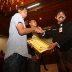 IJAZAH DITAHAN : Rogoh Kocek Pribadi Rp57,5 Juta, Rudy Tebus 90 Ijazah yang Tertahan di Sekolah
