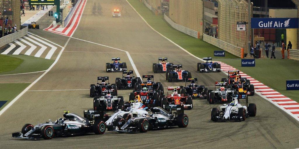 Para pembalap di awal GP Bahrain di Sirkuit Sakhir, Bahrain, Minggu (3/4/2016). (Istimewa/@F1)