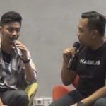 Genta (kiri) penulis Keluarga Tak Kasat Mata. (Youtube.com)