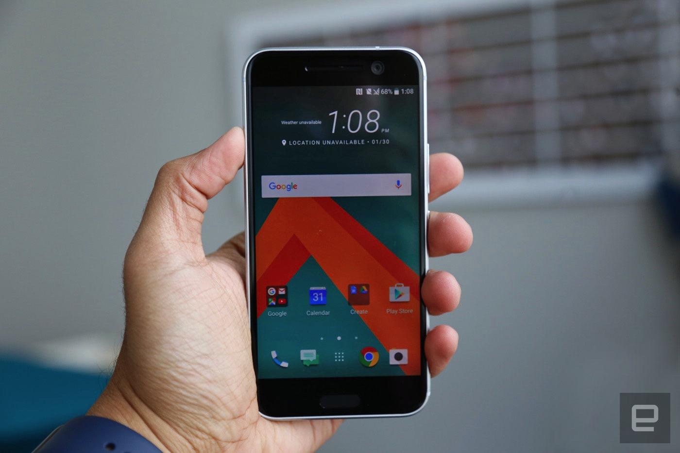 HTC 10 (Engadget)