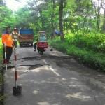BENCANA WONOGIRI : Jalan Kismantoro Ambles, Pengguna Jalan Diminta Hati-Hati