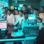 Penyiar Solopos FM, Heru Cahyono, menerima kehadiran SDIT Teras, Senin (25/4/2016). (Jafar/JIBI/Solopos.com)