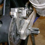 Ilustrasi rem sepeda motor. (Zigwheels.com)