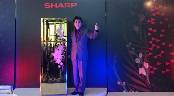 Lemari Es Emas Sharp (Liputan6.com)