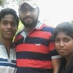 Manjeet Chowdhary (kiri) tewas setelah selfie (Ubergizmo)