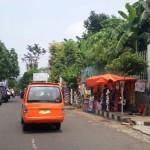 Sejumlah lapak pedagang kaki lima (PKL) berada di kawasan Jl. Kartini, Wonogiri, Selasa (26/4/2016). Pemkab mengimbau agar para PKL tertib dalam mendirikan lapaknya. (Bayu Jatmiko Adi/JIBI/Solopos)