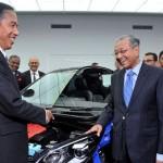 Presiden Joko Widodo dan Mahathir Mohamad. (Okezone.com)