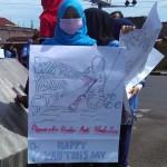 Pemuda pemudi menggelar aksi kampanye menyosialisasikan bahaya penyalahgunaan narkoba di Simpang Lima Nyi Ageng Serang, Wates, Kulonprogo, Kamis (21/4/2016). (Rima Sekarani I.N./JIBI/Harian Jogja)