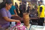 Pasar Darurat Tak Cukup Menampung Pedagang Pasar Bendungan yang Terbakar