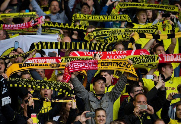 Suporter Dortmund (This Is Anfield)