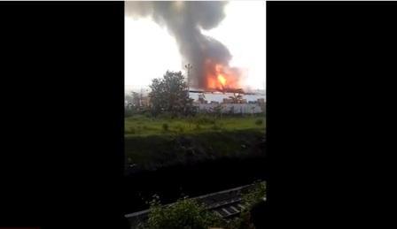 Video Kebakaran Pabrik Mebel Keluarga Jokowi (Youtube/Jafar Sodiq Assegaf/direkam Ganang Galih)