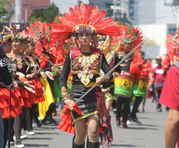 Mahasiswa UKSW dalam Indonesia International Culture Festival (IICF) 2016. (Imam Yuda S/JIBi/Semarangpos.com)
