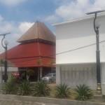 Dua lampu tenaga surya terpasang di depan garasi Kantor Bupati Boyolali. Belasan aki lampu tenaga surya di Komplek Pemkab Boyolali raib. (JIBI/Solopos/Hijriah AW)