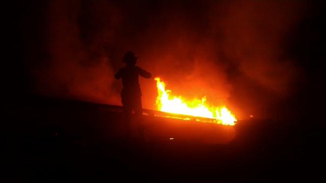 Kebakaran pabrik mebel Jokowi di Kalijambe (Oriza V/JIBI/SoloposTV)